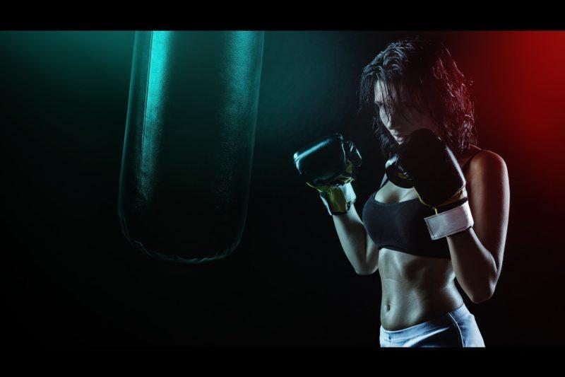 Упражнения на бока для женщин