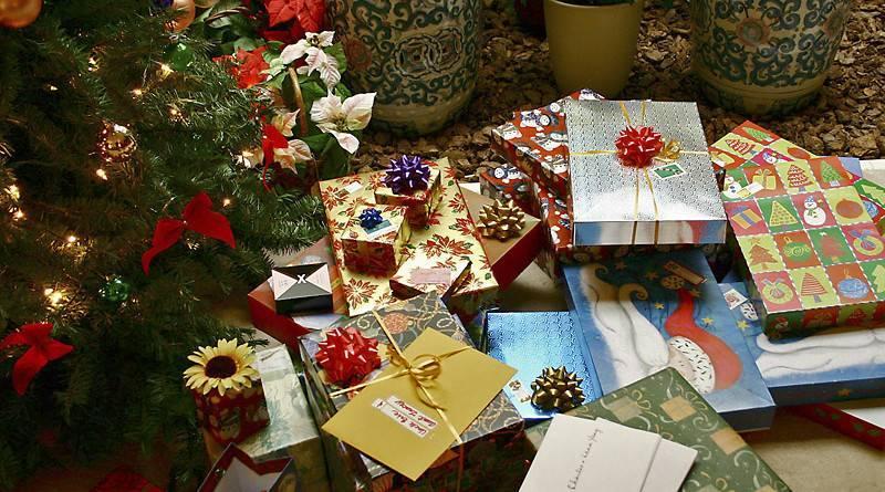 Картинки по запросу что подарить ребенку на новый год