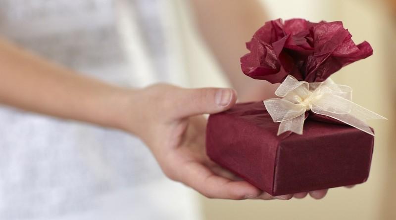 c3a68b5efdf90 Что подарить лучшей подруге на день рождения - списки и примеры подарков