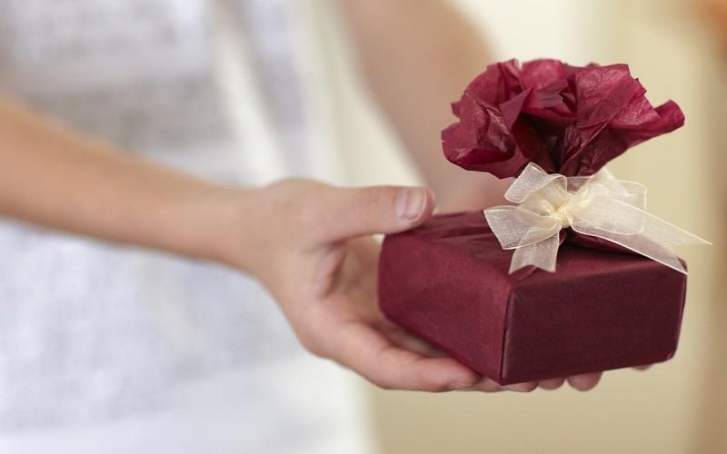 Как выбрать подарок для подруги
