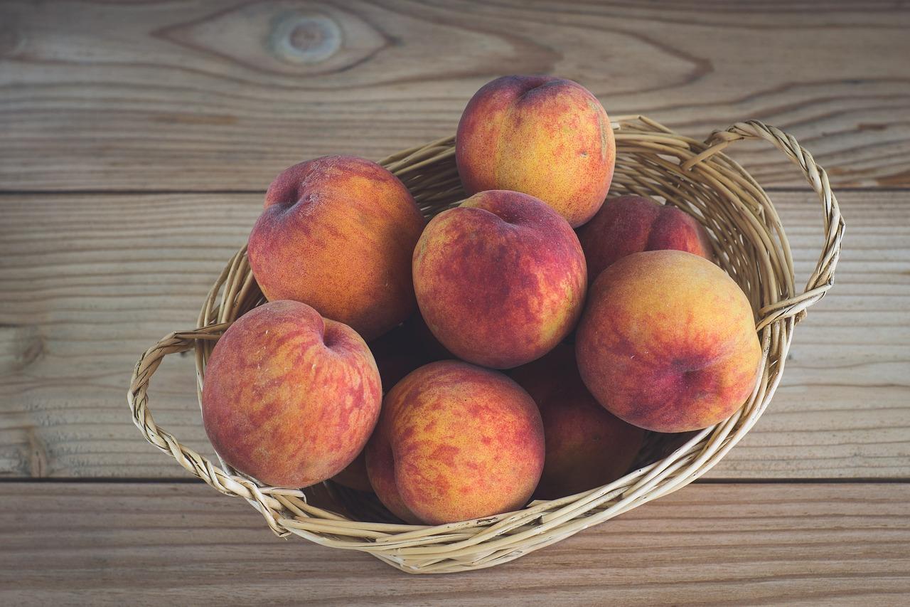 Как приготовить консервированные персики на зиму