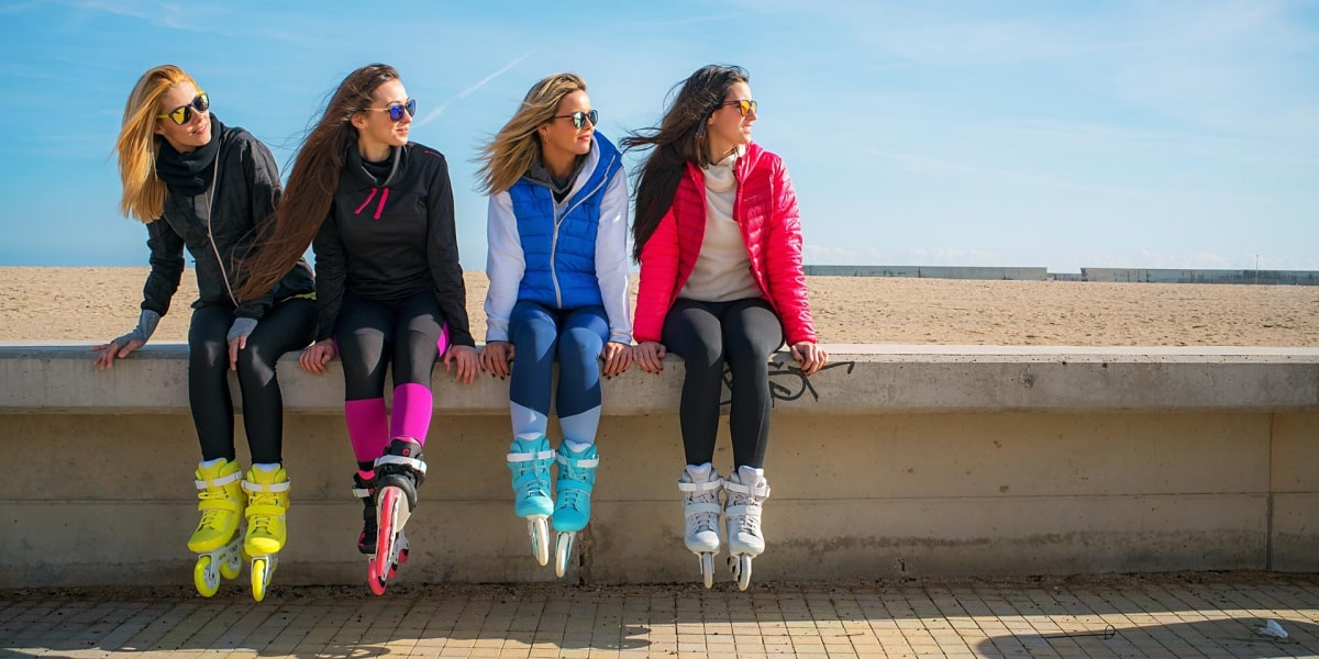 4 девушки на роликах