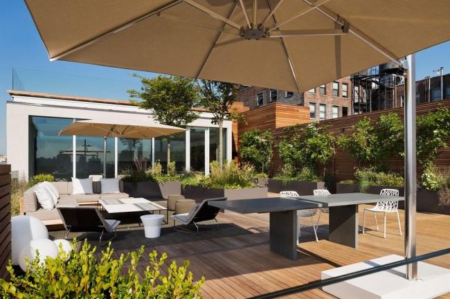 Многие мечтают иметь собственный теннисный стол во дворе или на даче