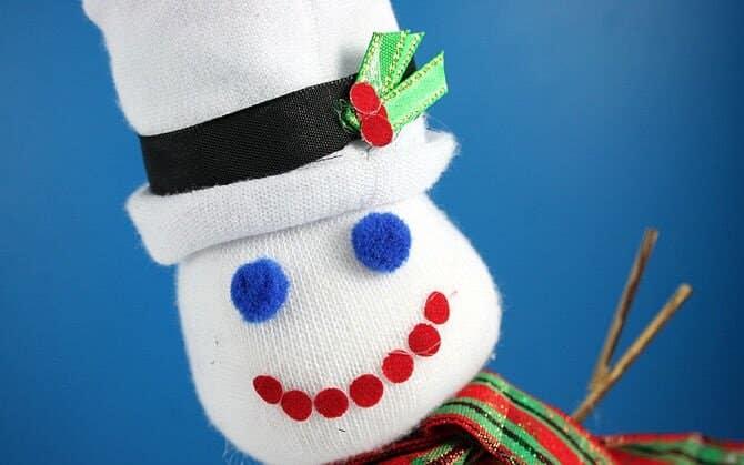 снеговик из носка Ленты
