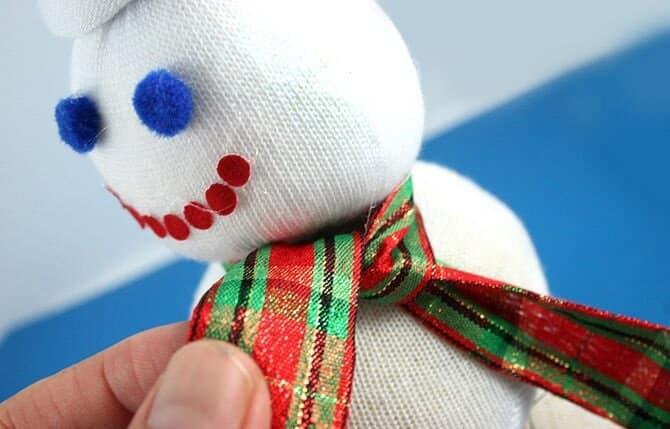 снеговик из носка Шарф
