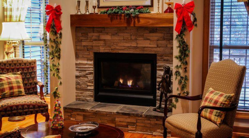 Пример новогоднего декора интерьера