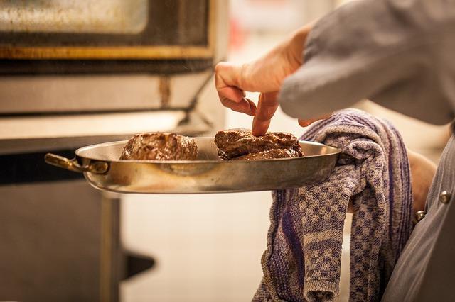 Фото мяса на сковороде