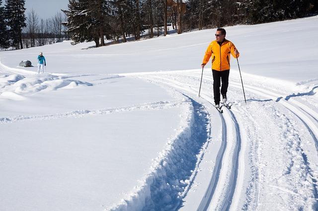 Фото мужчины на беговых лыжах