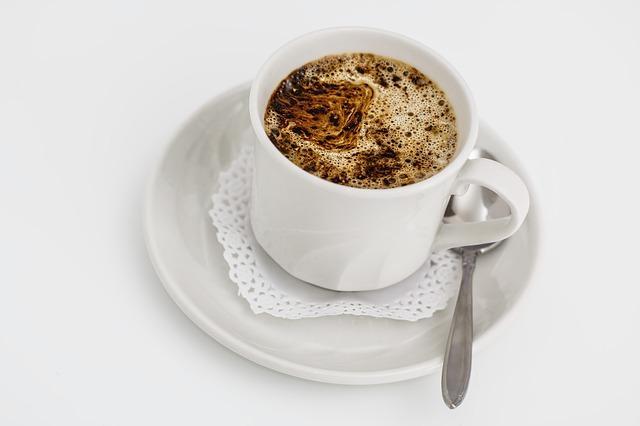 Бодрящий кофе с корицей
