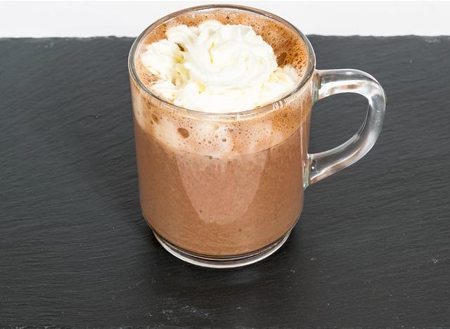 Кружка кофе с коньяком