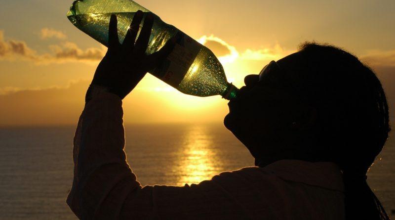 Мужчину мучает жажда