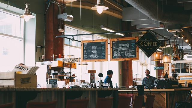 Стильное помещение в кафе