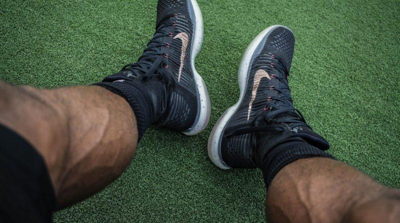 Накаченные мужские ноги