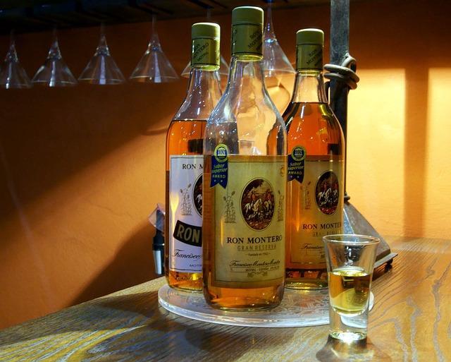 Три бутылки рома
