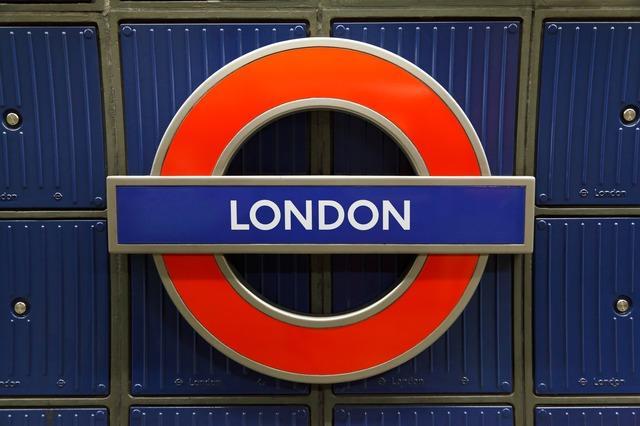 Значок лондонской подземки