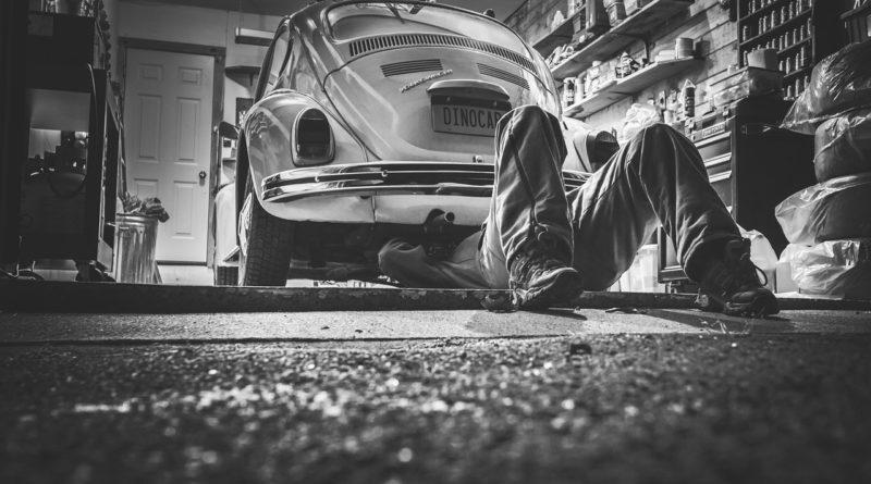 Подготовка автомобиля к покраске в гараже