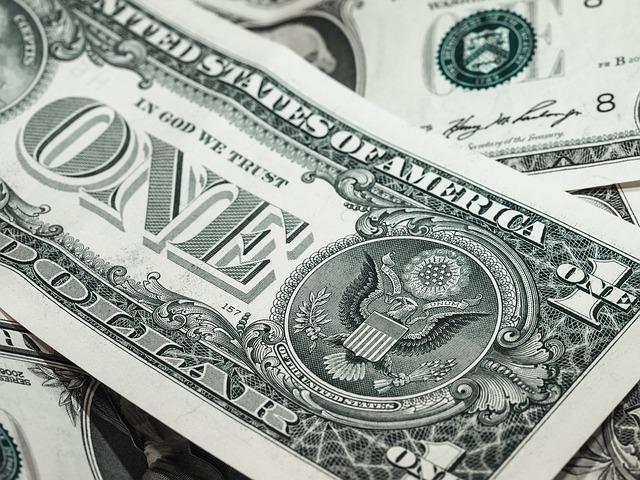 Фото доллара США