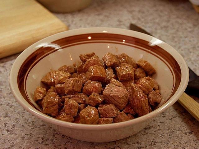 Как приготовить тушенку из свинины видео