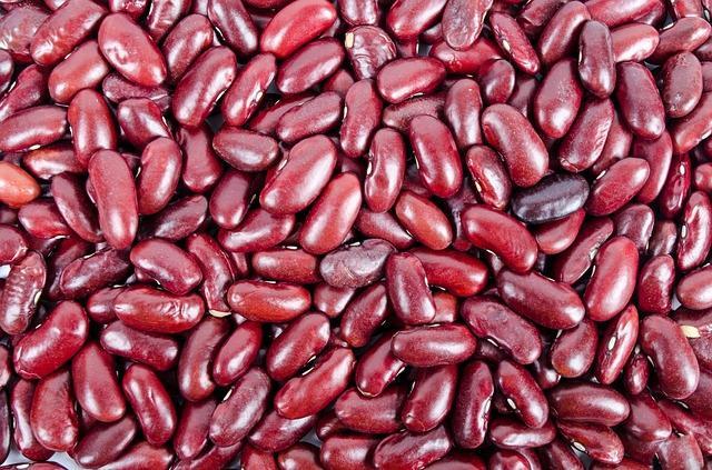 Крупные бобы красной фасоли