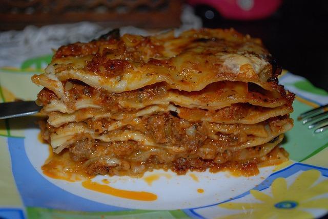 Фото классической итальянской лазаньи