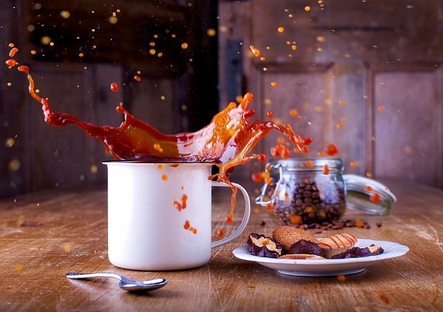 Фото коллаж с брызгами кофе