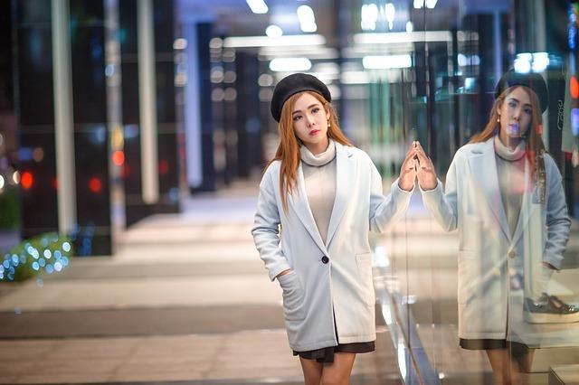 Фото девушки на улице