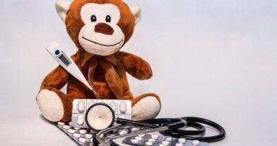 Как и чем лечить ларингит у детей в домашних условиях