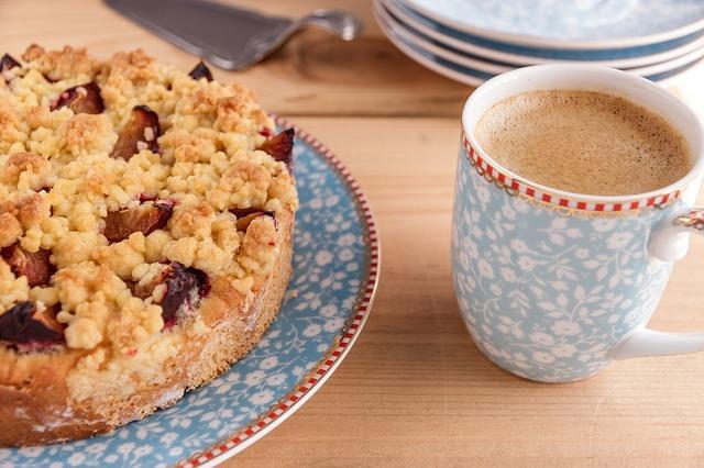 Вкусный яблочный пирог с какао