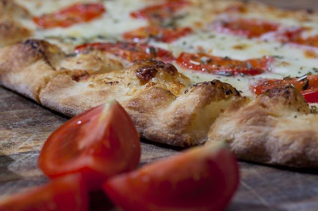 Фото классической пиццы на сухих дрожжах