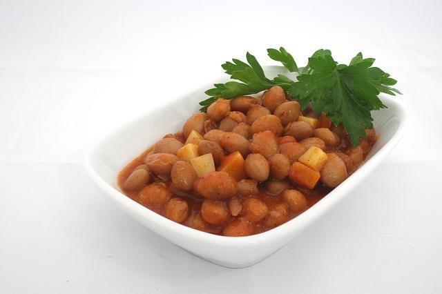 Бобы в томатном соусе на гарнир