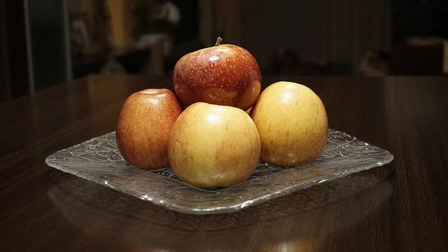 Вкусные квашеные яблоки