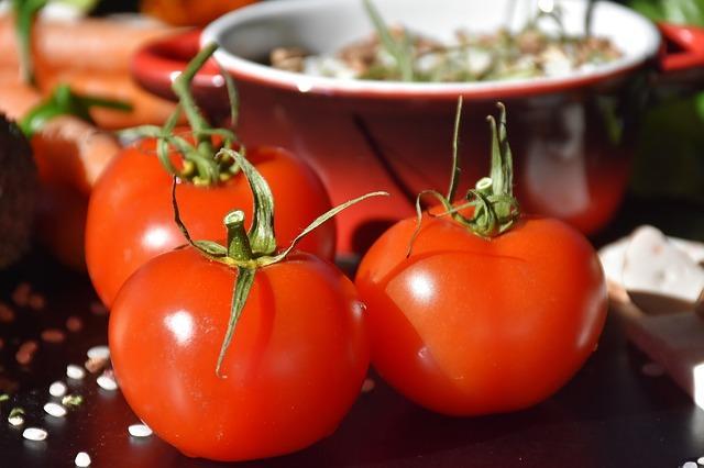 Фото спелых томатов