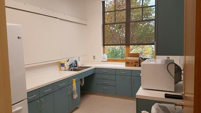 Фото микроволновки на кухне