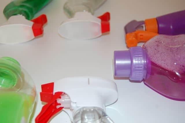 Бытовая химия для очистки унитаза